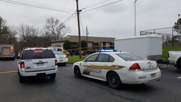 Man shot near Clarksville apartment complex