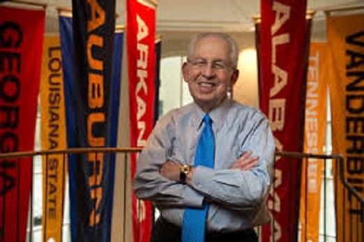 Former SEC Commissioner Slive dies at 77
