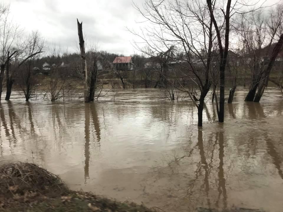 Levisa Fork of Big Sandy has Crested