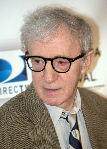 Diane Keaton defends Woody Allen AGAIN!