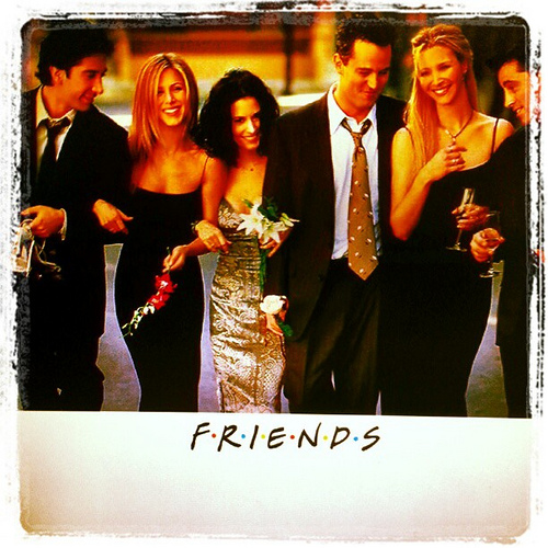 "Fans freak out over new ""Friends"" trailer!"
