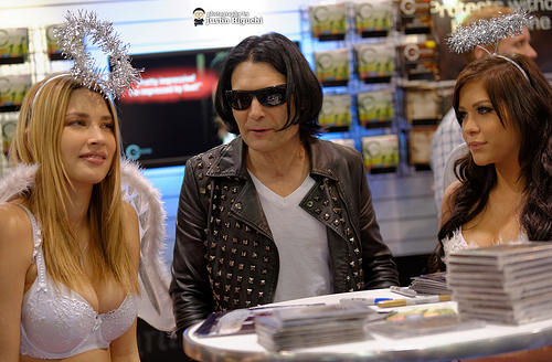 Corey Feldman hospitalized after claiming he was stabbed!