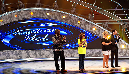American Idol: This year's contestants are hooking up like crazy!