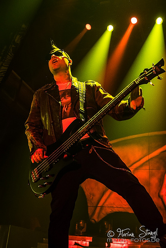 Fish interviews Johnny Christ of Avenged Sevenfold