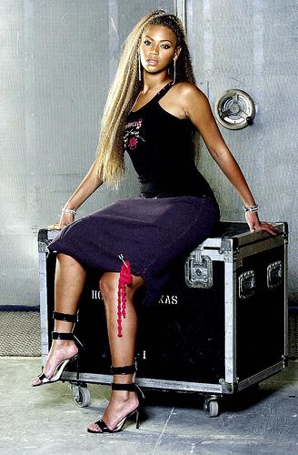 Beyoncé, Gisele Bündchen, Jennifer Lopez and More Met Gala Queens.