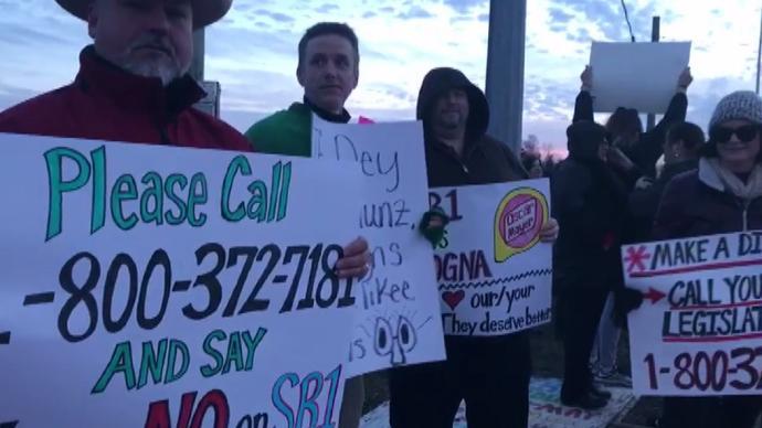 Laurel County Educators Organize Walk-In To Protest SB 1