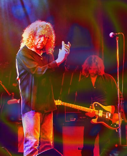 Robert Plant Loses Karaoke Duel to an Elvis Impersonator???