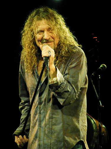 What is Robert Plant's favorite Led Zeppelin Song?