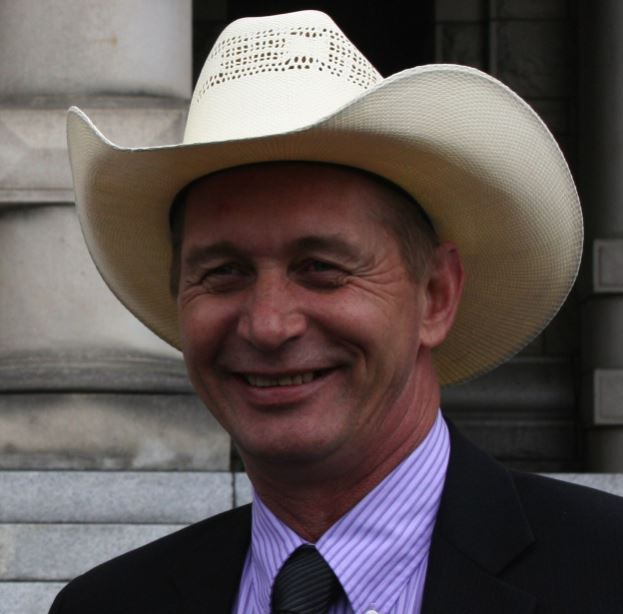 B.C Cattlemen's Association waiting to see if beef industry next to be caught in BC/Alberta conflict
