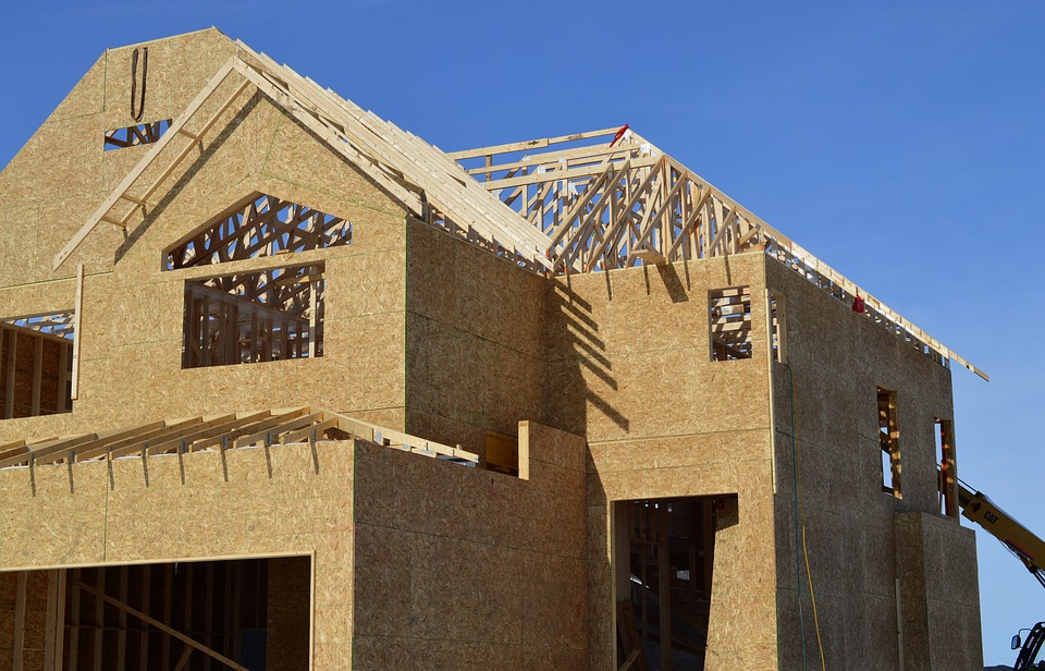 American consumers paying a lot more to build homes, thanks to expensive Canadian lumber