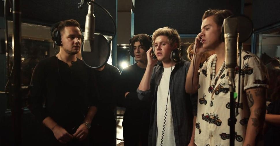 Band Aid 30 sells 1,000,000 in 5 mins. #ShortBuzzz