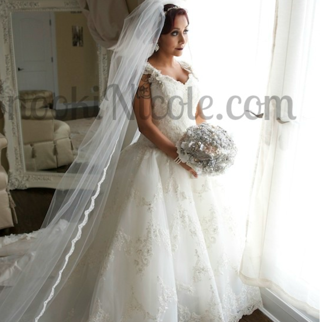 Spoiler Aler --- Snooki Got Married! The #ShortBuzzz