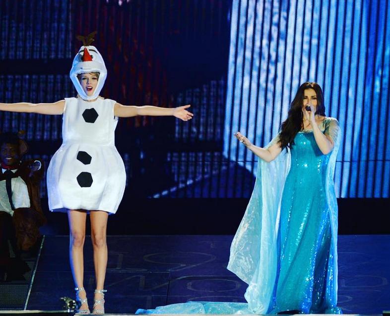 Taylor, Idina, Ariana, Jason #ShortBuzzz