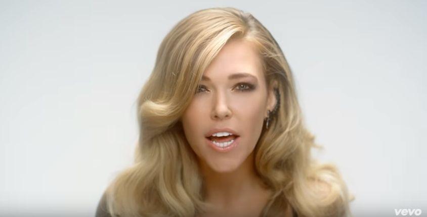 Rachel, Adele, Miley, Maroon #ShortBuzzz