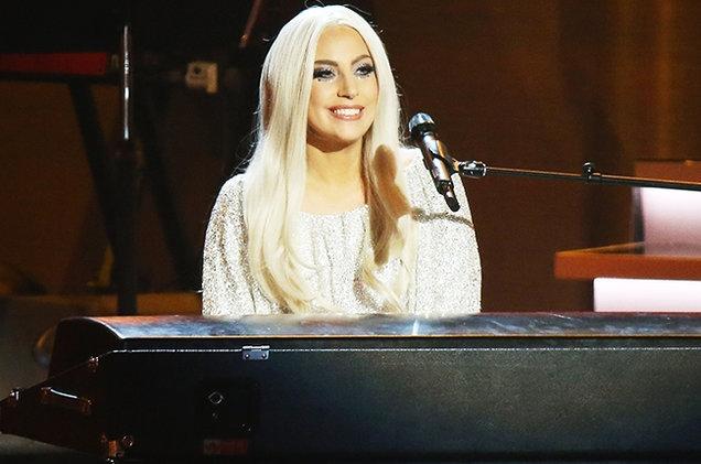 Gaga, Legend, Lambert #ShortBuzzz