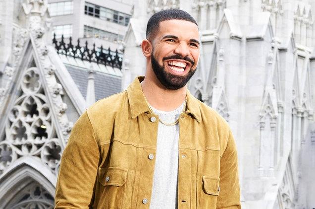 Drake, Meghan, Beach #ShortBuzzz
