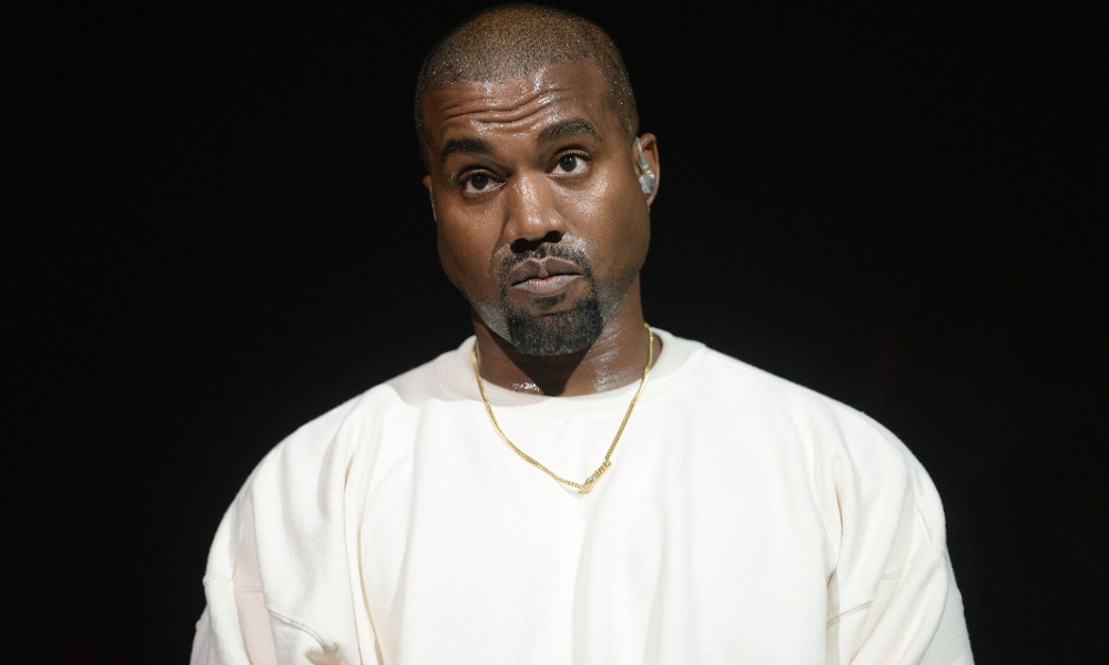 kanye-west-deletes-twitter-instagram-00