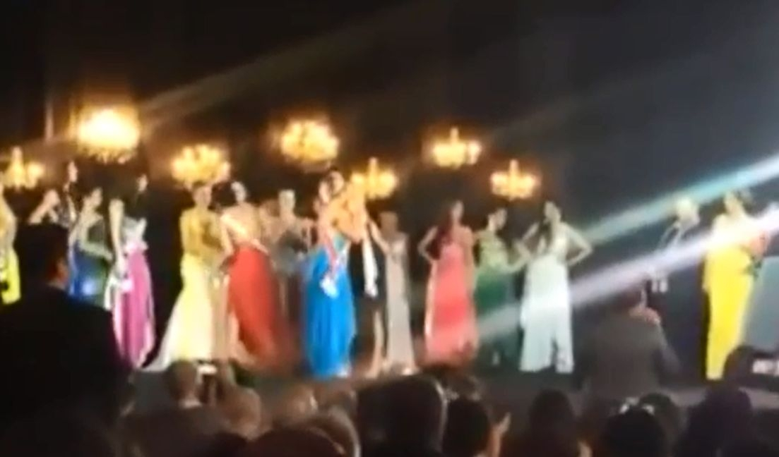 Cat fight at Miss Amazon Pageant