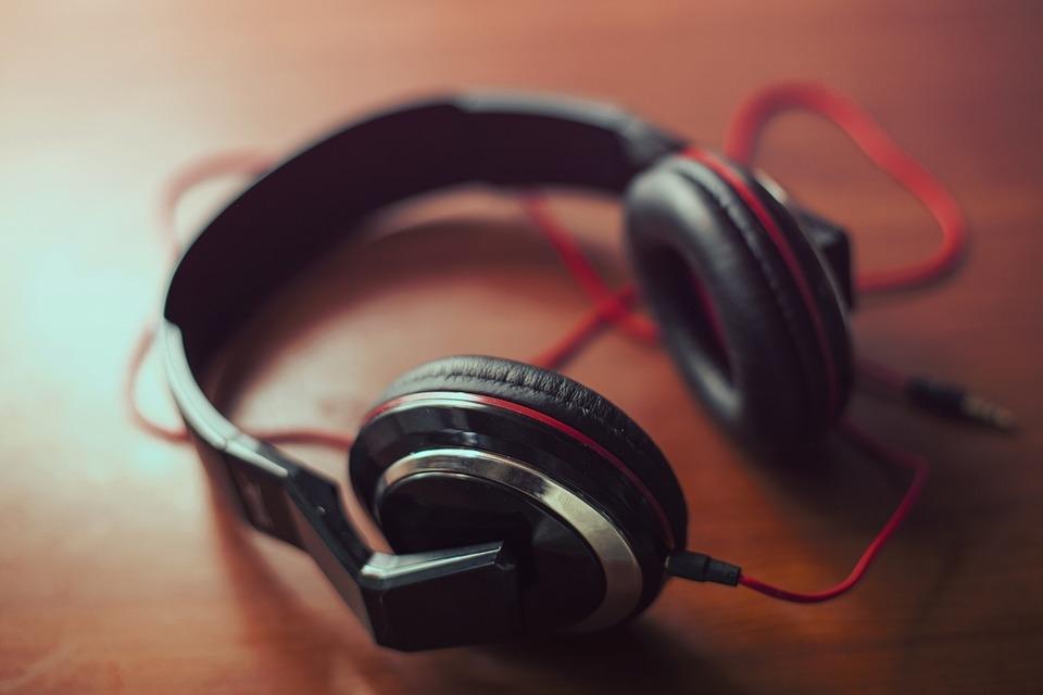 "The ""No Headphone"" Blues"