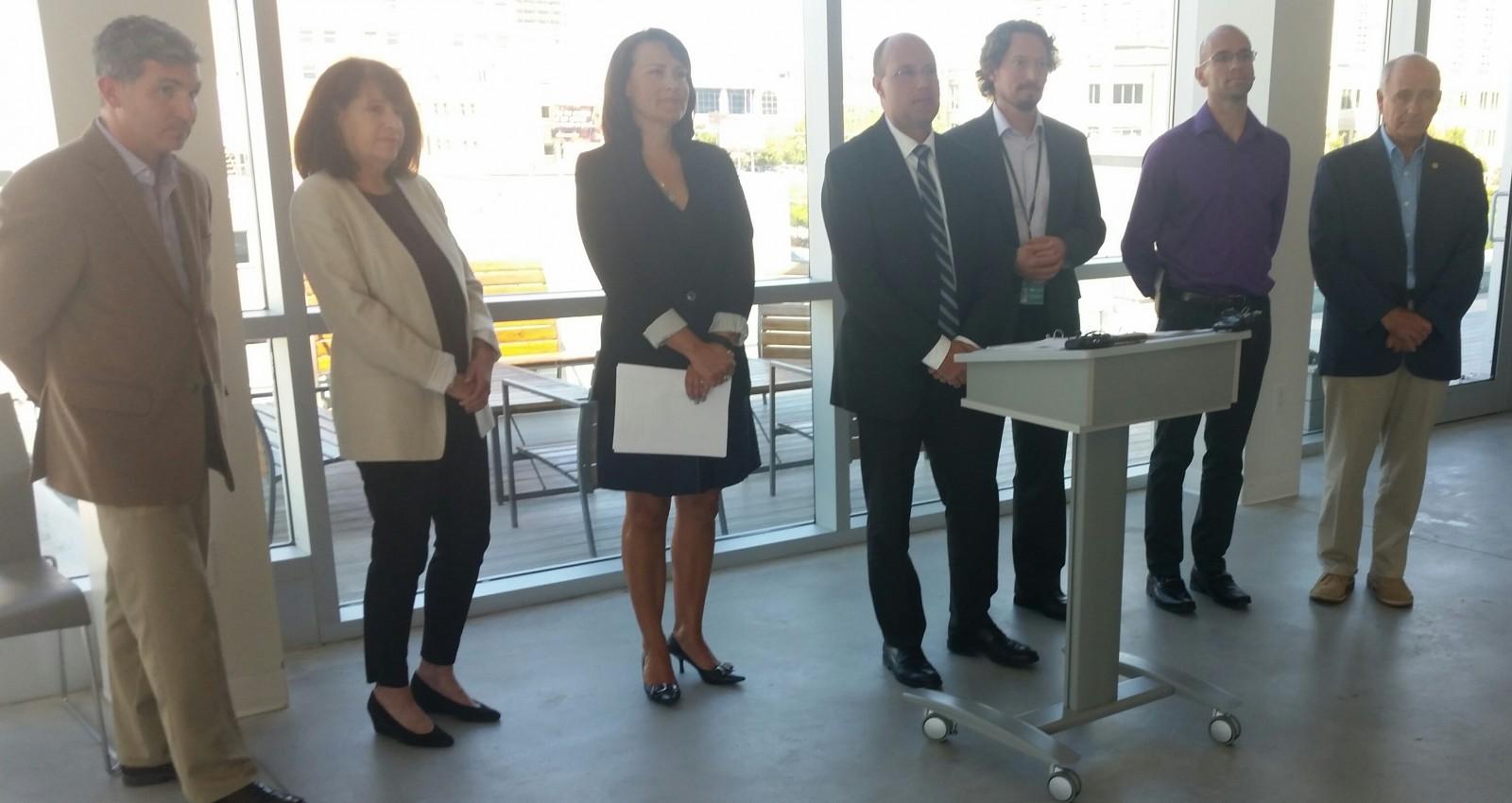 Mayor unveils new poverty advisory panel
