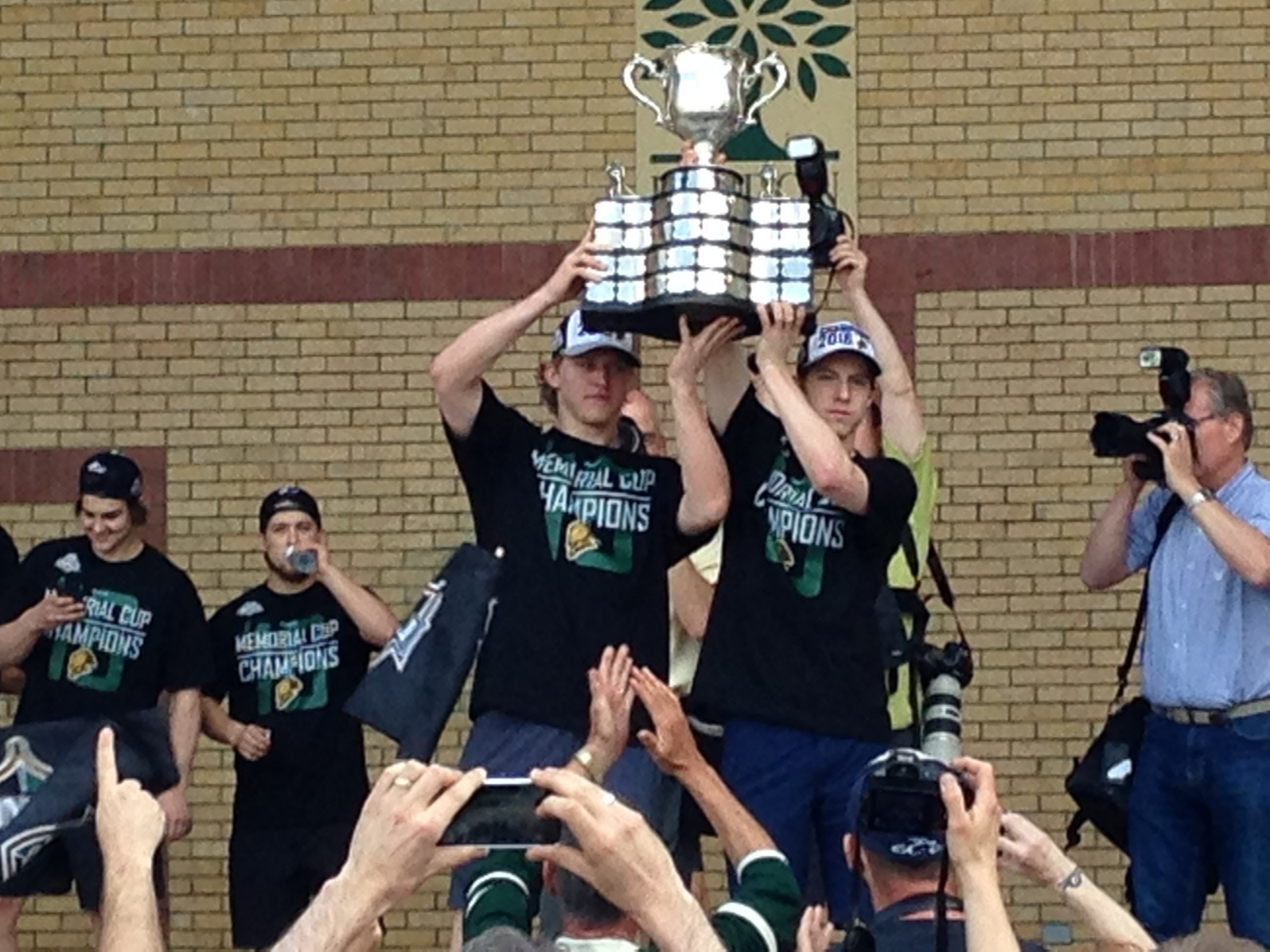 London Knights return home to flaunt hardware