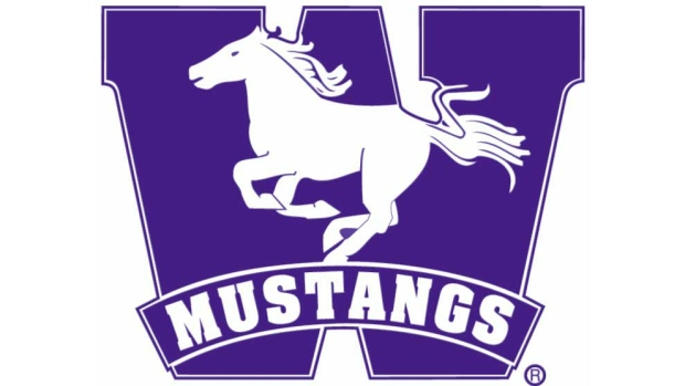 Mustangs survive late comeback