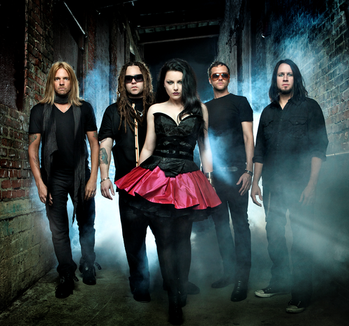 "Amy Lee Explains Evanescence's New ""Synthesis"" (Video)"