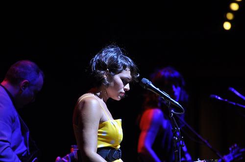 Watch: Norah Jones Tribute To Chris With Black Hole Sun