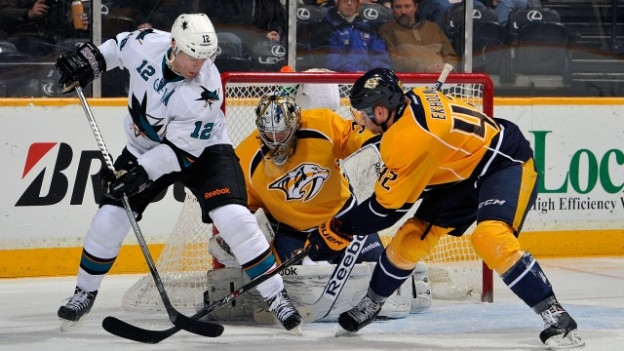 Joe Pavelski's late goal gives Sharks 2-0 series edge over Predators