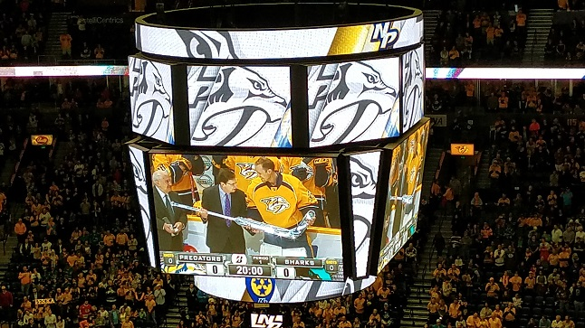 VIDEO: Preds, NHL slaute Pekka Rinne for playing 500 games