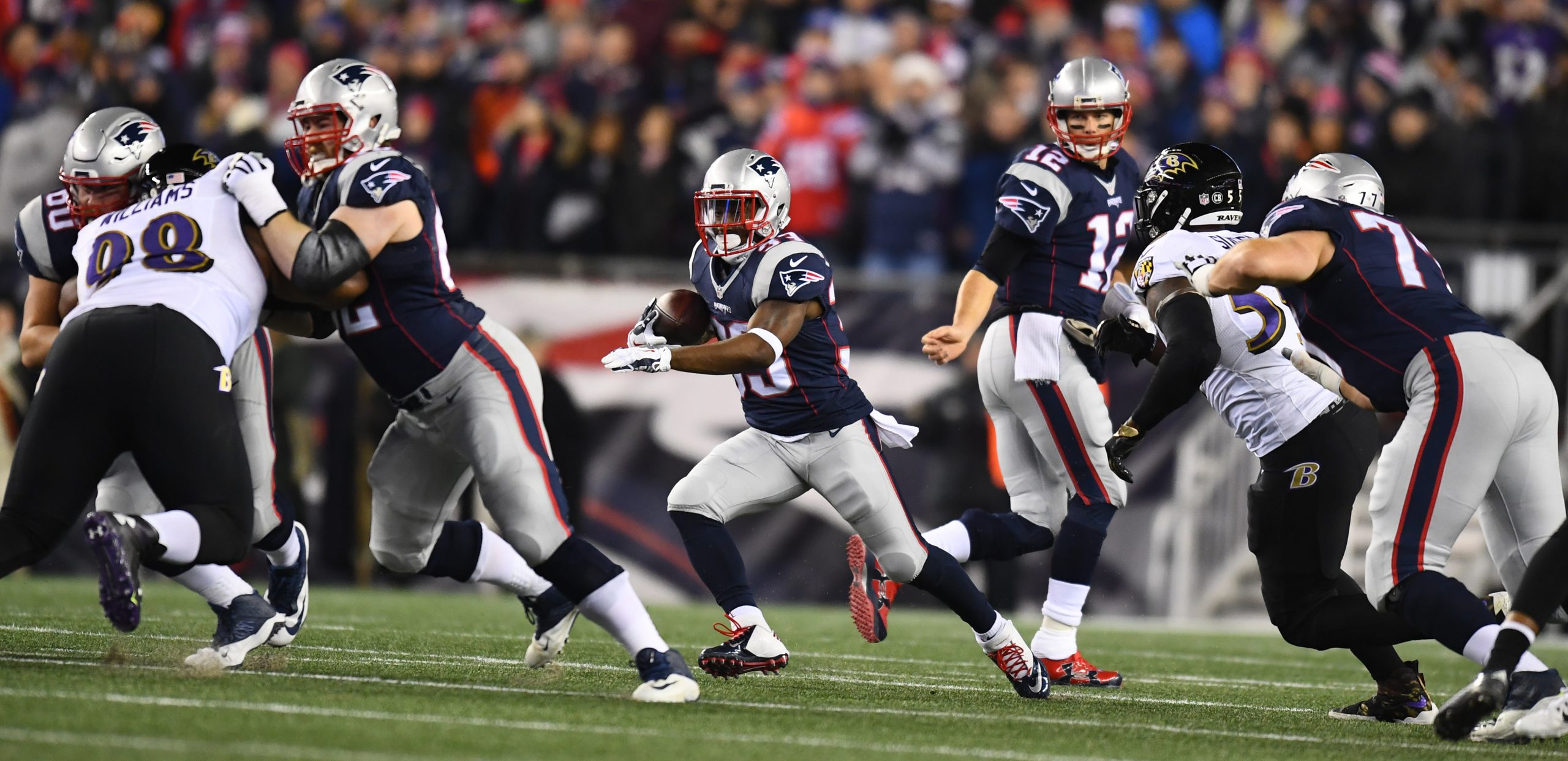Foxborough-ma-december-12-2016-gillette-stadium-dion-lewis-33-of-the-new-england-patriots-during-a-regular-season-monday-night-football-game-photo-by-joe-faraoni-espn-images