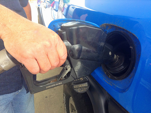 Illinois Gas Prices Dip