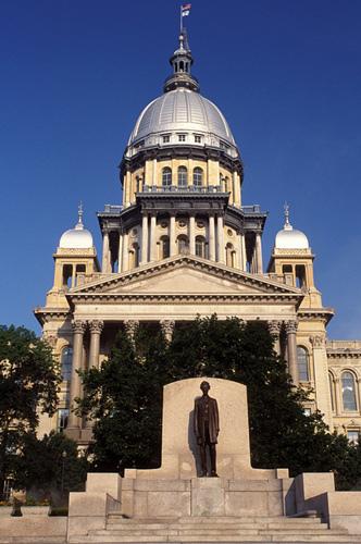 IllinoisHigher Ed Board Approves Smaller Budget Request