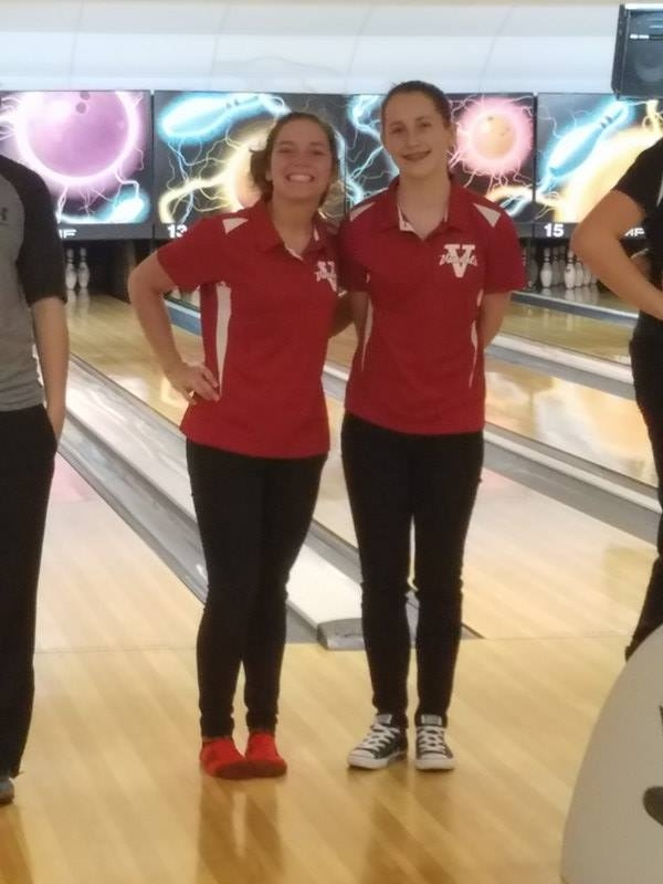 Lady Vandals bowling finishes 7th as a team at Regional, Richardson and Warner advance to Sectional