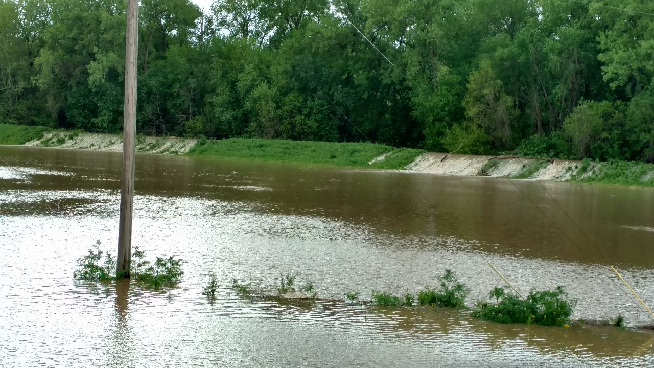 Good News-Kaskaskia River is going down, Bad News-It's going back up later this week