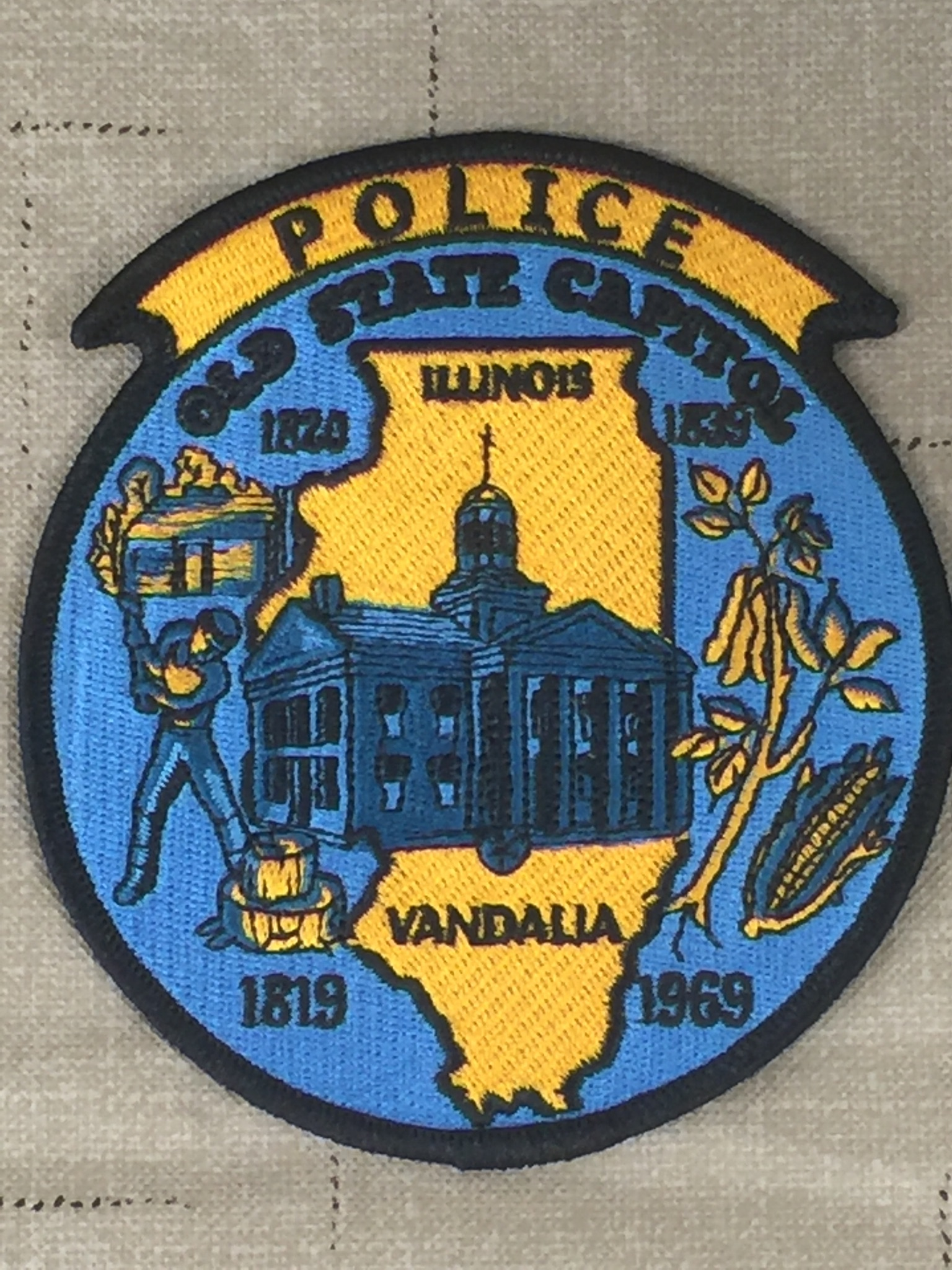Vandalia PD reports---Individual arrested on pending charge of theft