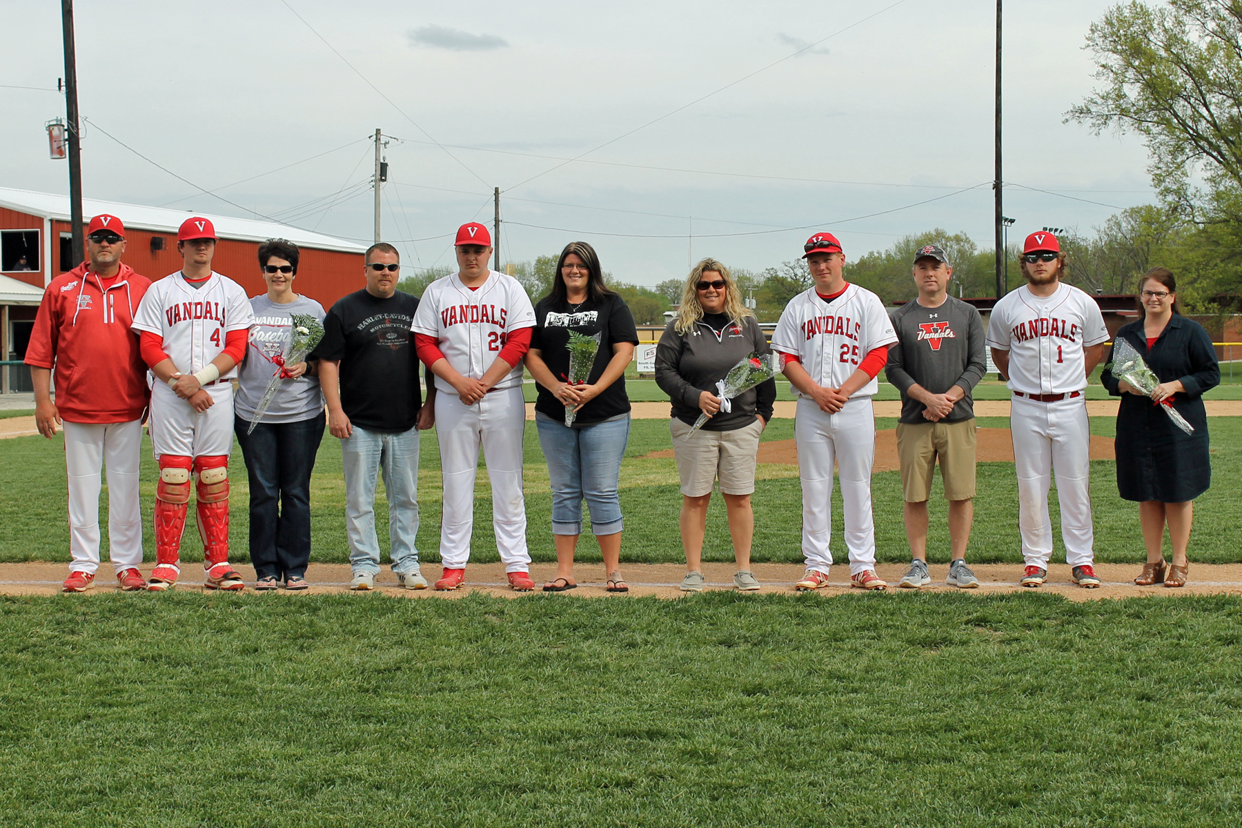 Vandals baseball wins on Senior Day