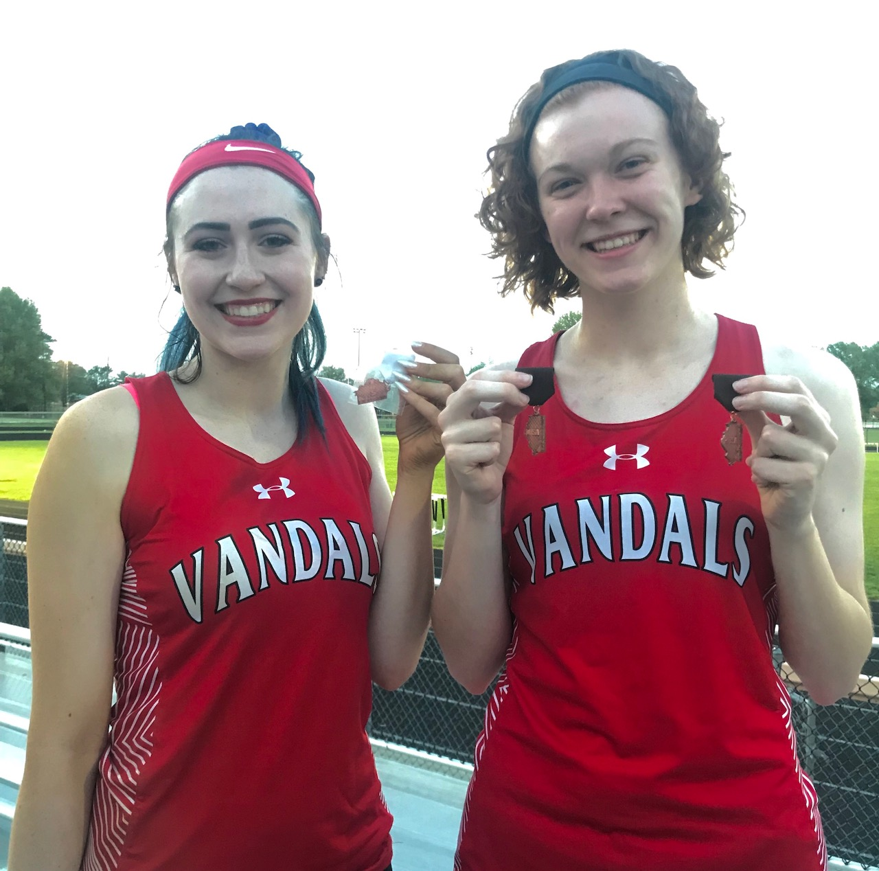 Lady Vandals Track brings home 3 Top 6 Medals from Sectional--No one advances to State