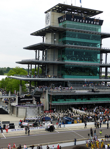 Indy 500 pole sitter Dixon, Franchitti robbed at Taco Bell