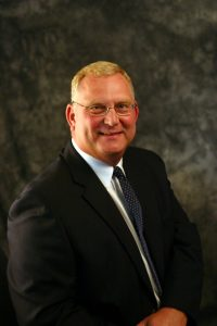 Lake Land College will posthumously award the 2017 Distinguished Service Award to Scott Lensink, the sixth president of Lake Land, during Commencement on Friday, May 12 at 7:30 p.m.
