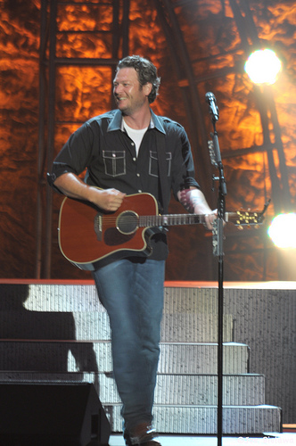 "Blake Shelton Named ""People's"" Sexiest Man Alive"