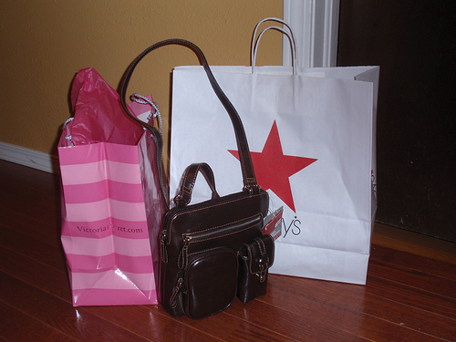 More Shoppers Out From Thanksgiving To Cyber Monday