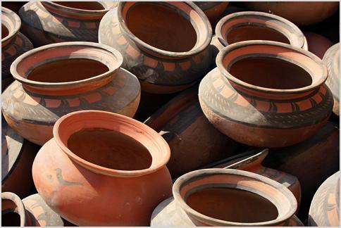 Teacher Makes 261 Clay Pots In An Hour