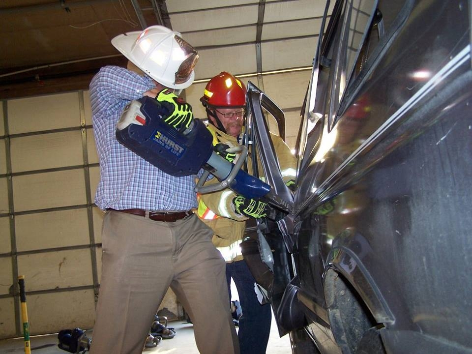 Effingham Fire Department Tests New Equipment With Mayor Jeff Bloemker