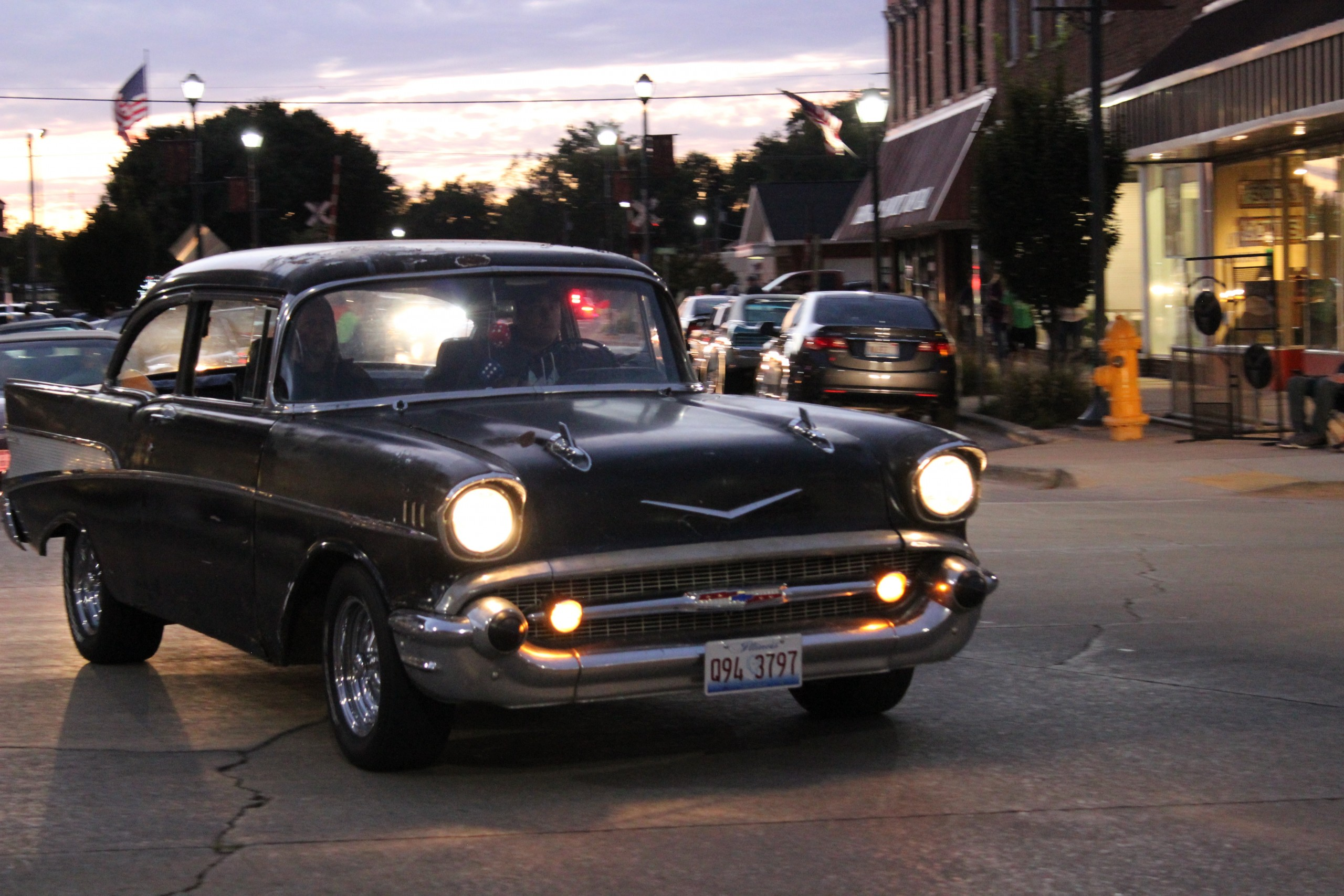 Downtown Effingham Packed For Cruise Night