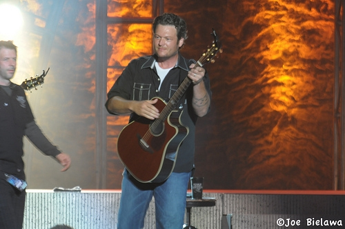 Blake Shelton Releases New Music Video