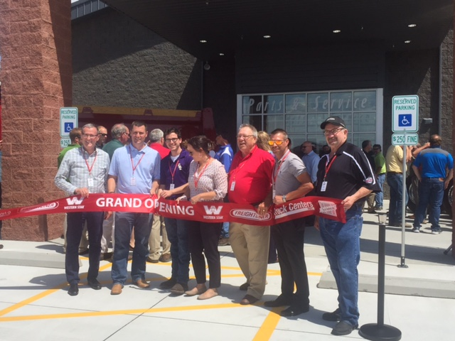 Truck Centers Inc. Holds Ribbon Cutting Ceremony