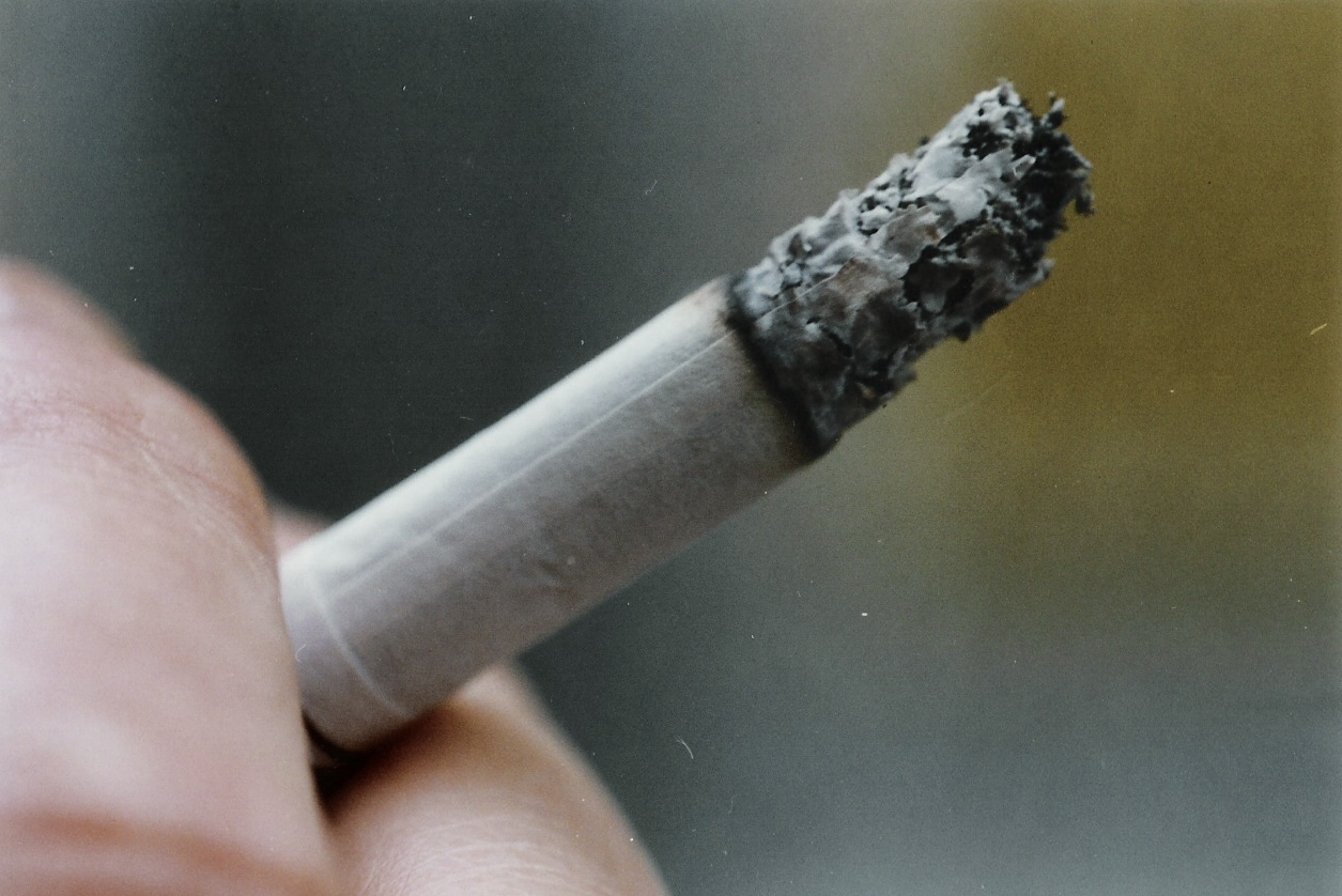 Indiana Lawmakers Explore Expanding Smoking Ban