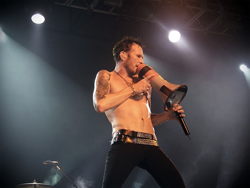 Scott Weiland's Guitarist Spoke About The Night Weiland Died