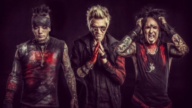 Sixx: A.M. Is Waging War Against YouTube